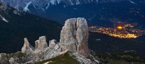 Il-Viaggiatore-Magazine - Cortina-illuminata-vista-dall'alto,-Veneto