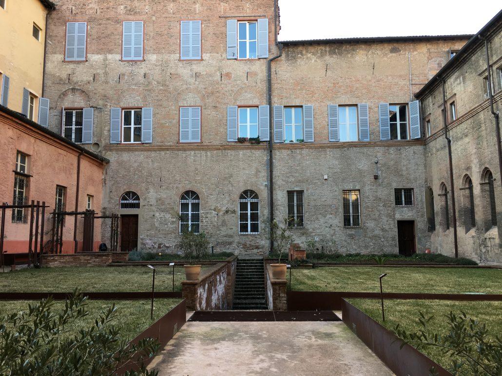 Il Viaggiatore Magazine - Abbazia di San Pietro - Acetaia, Modena