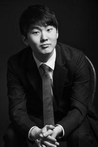 Il Viaggiatore Magazine - Il pianista coreano Seong-Jin Cho