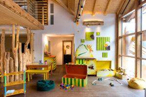Il Viaggiatore Magazine - ADLER DOLOMITI-Aki's Kids Club - Ortisei, Bolzano
