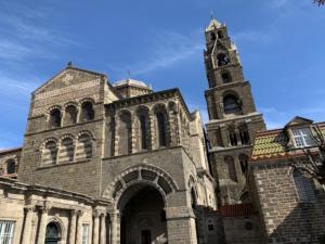 IlViaggiatoreMagazine-Cattedrale-Le Puy en Velay-Auvergne-France