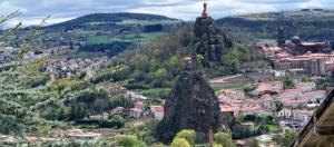 IlViaggiatoreMagazine-Panorama-Le Puy en Velay-Auvergne-Francia