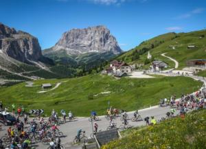 In bicicletta sul Passo Sella-Bolzano-Cosa fare nelle Dolomiti in estate