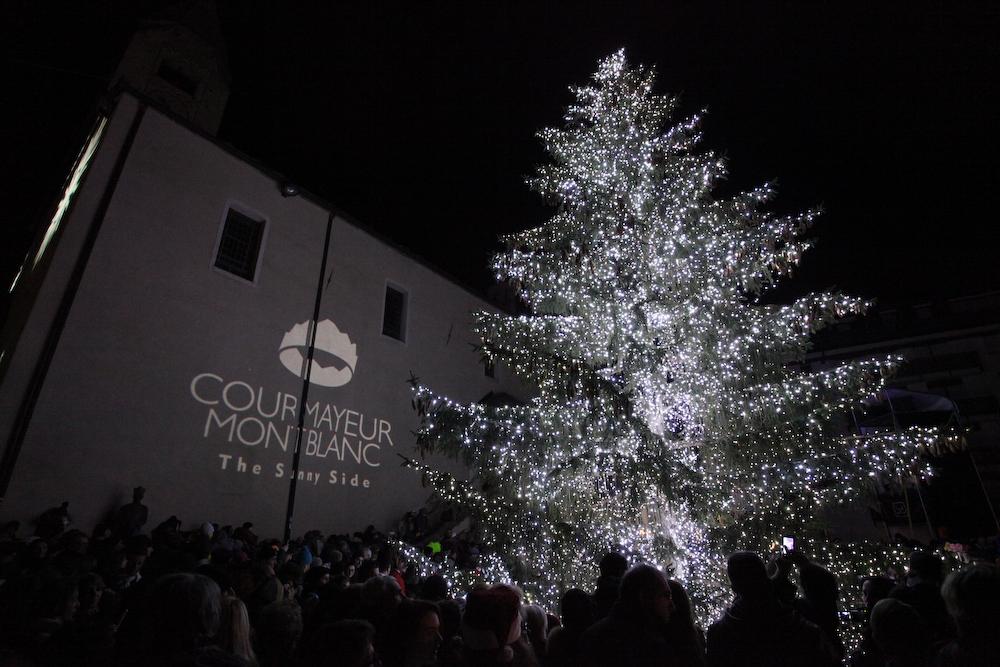 Albero di Natale a Courmayeur-Avvento-Aosta-Foto Marco Lanzeni