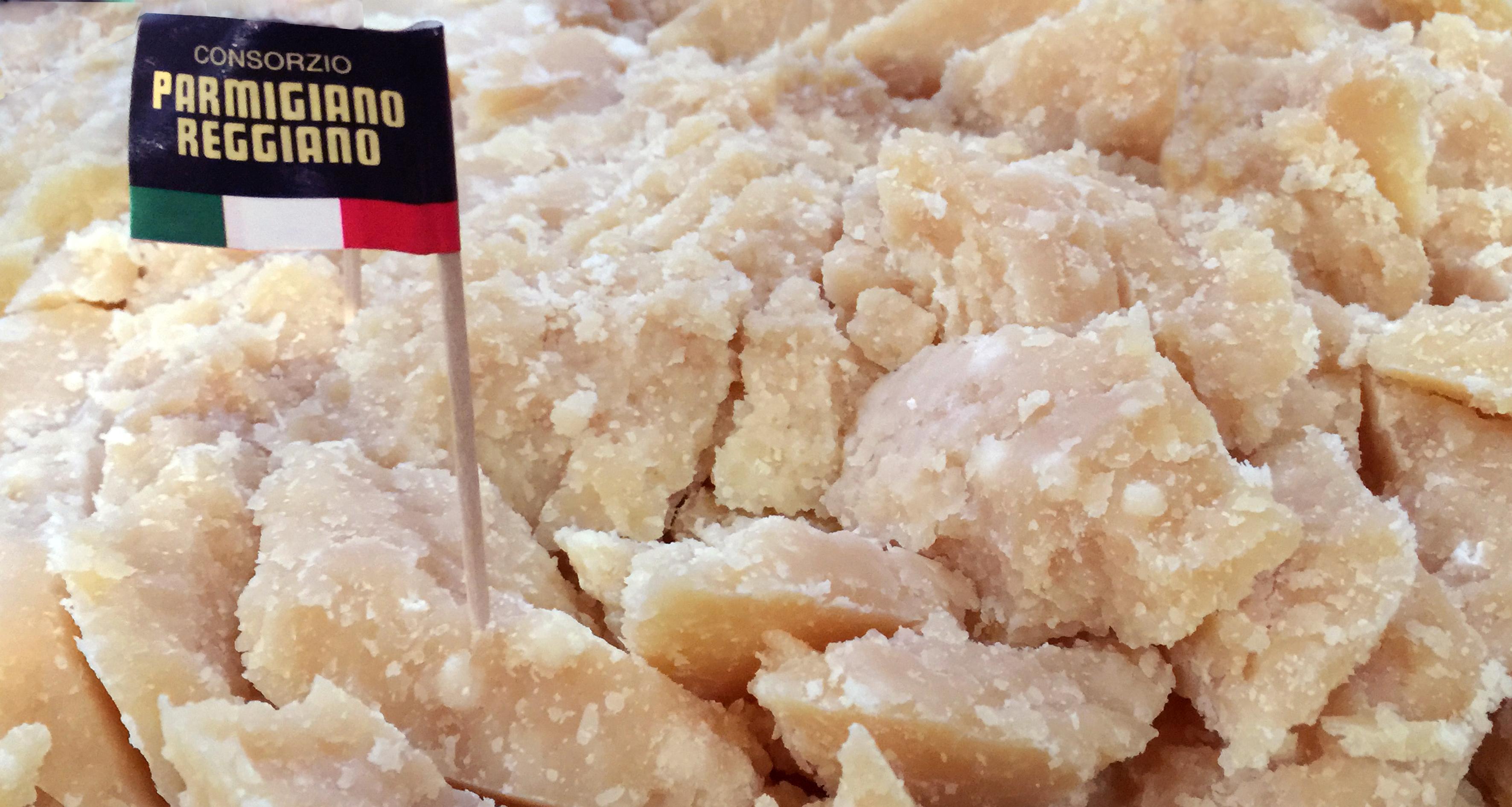 Parmigiano Reggiano del Consorzio, con stagionatura di oltre 40 mesi