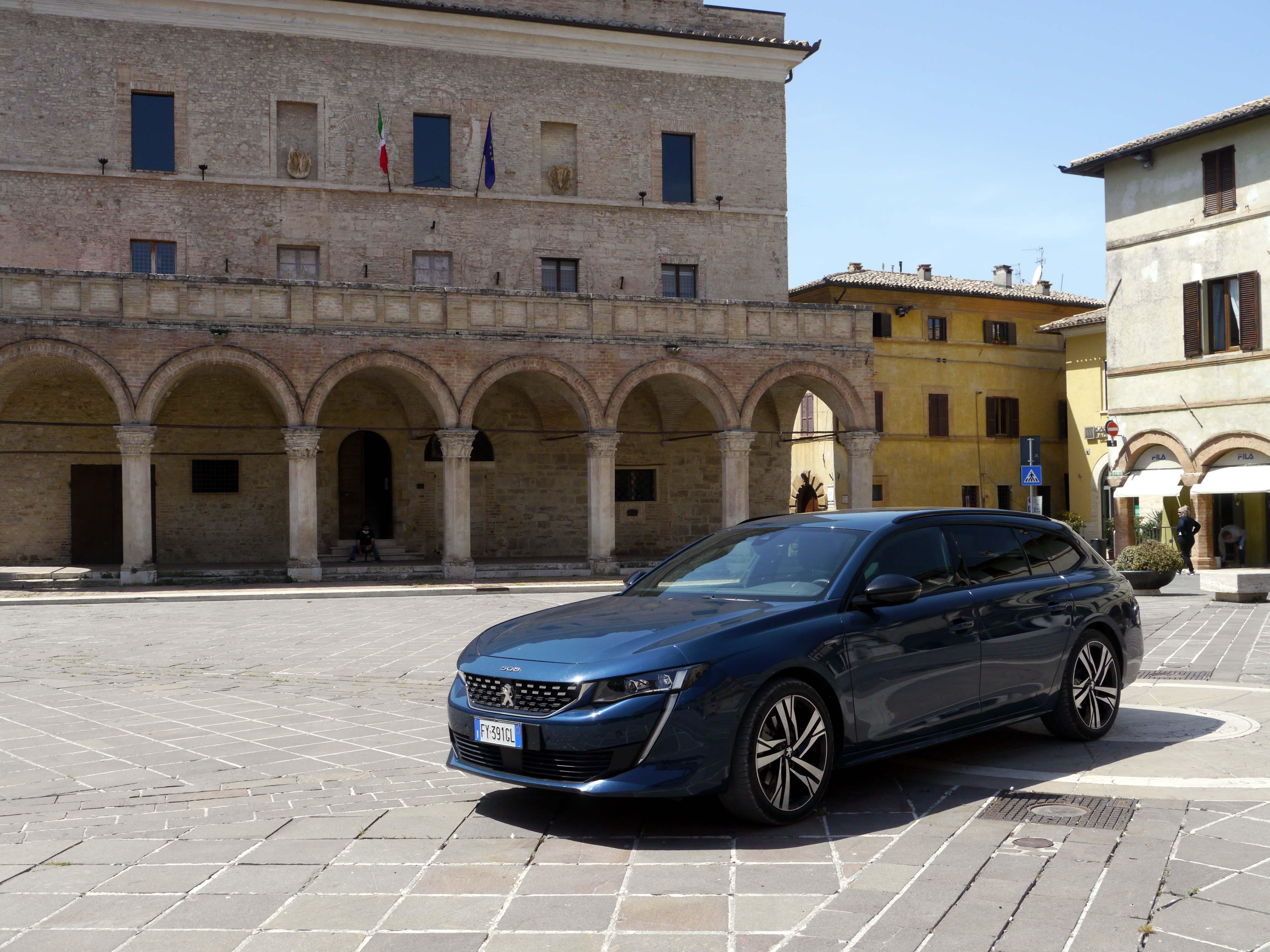Viaggio in auto - Peugeot 508 SW GT Station Wagon