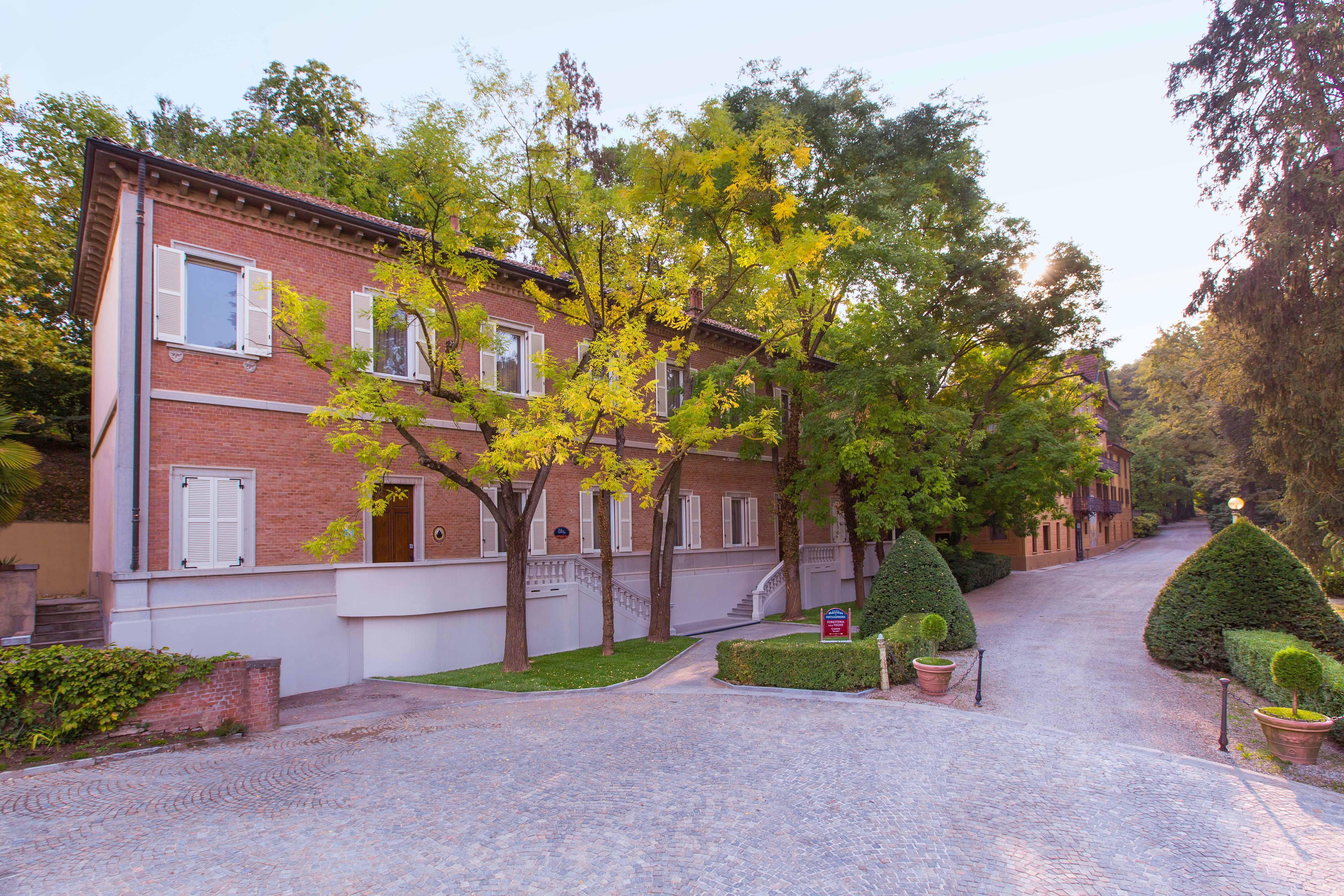Esterno Foresteria-Villaggio Fontanafredda-Serralunga d'Alba